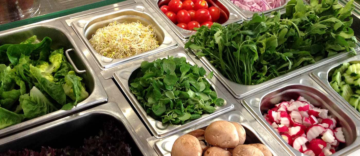Salate im Café Leander