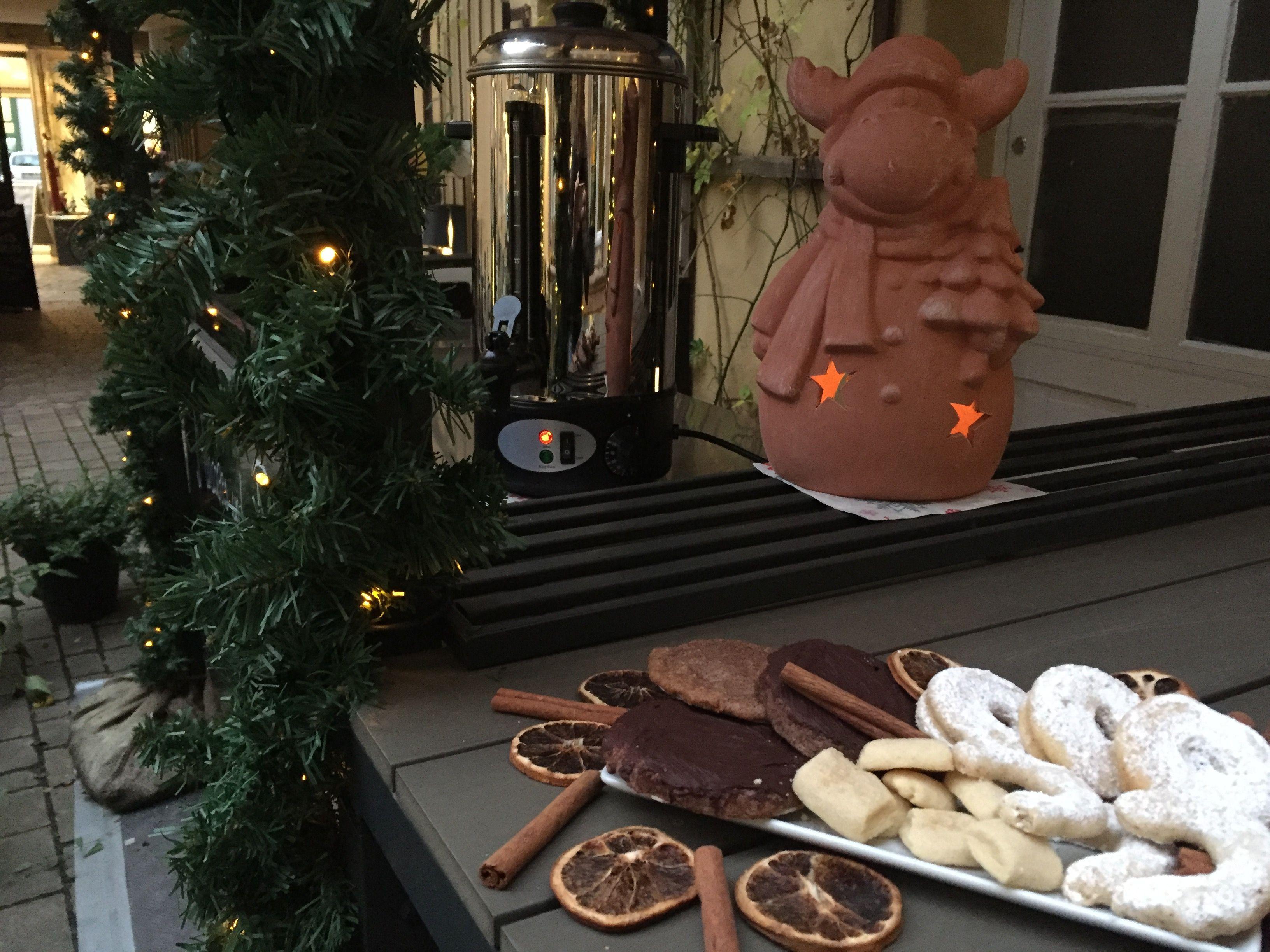 Weihnachtspavillon Café Leander